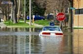 Mobil Terendam Saat Banjir, Lakukan Langkah Berikut Ini